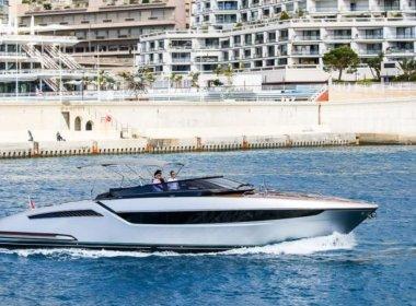Monza yacht side shot