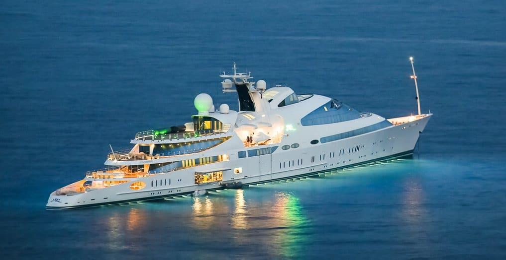 yas yacht e1629434070388